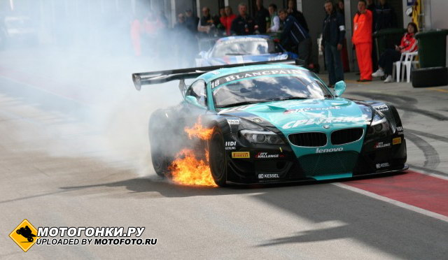 BMW Z4 Vita4One Racing чуть не сгорел