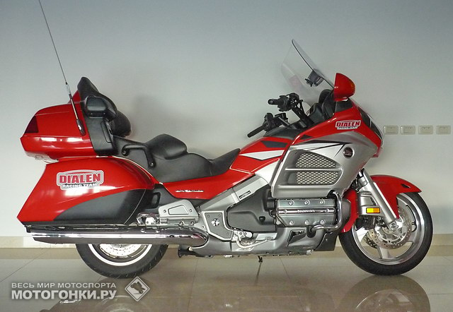 Honda GoldWing GP1800 (2012) - 899 990 руб.