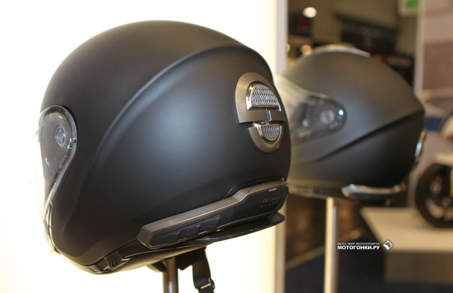 Schuberth M1 на выставке INTERMOT-2014: Ready to Connect!