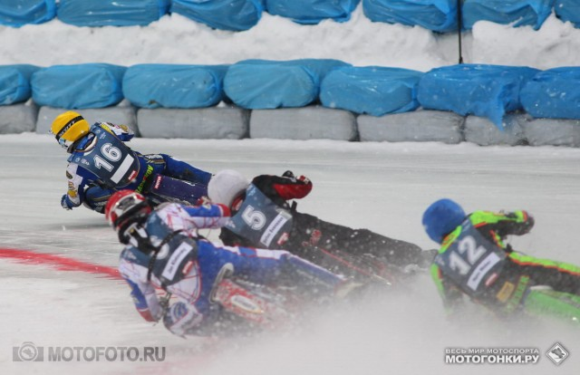 FIM Ice Speedway Gladiators 2015 RD1 Krasnogorsk: Is there anyone who can stop Nikolay Krasnikov #16?