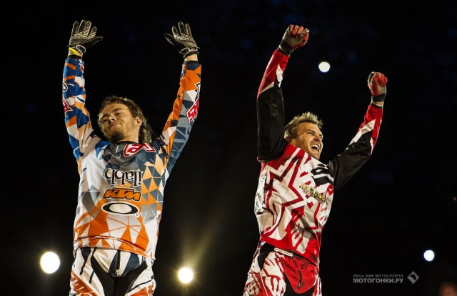 Red Bull X-Fighters 2015 - Mexico - The Final: Levi Sherwood (NZL) and Clinton Moore (AUS)