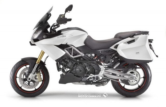 Тест-драйв APRILIA Caponord 1200 Travel: вид слева