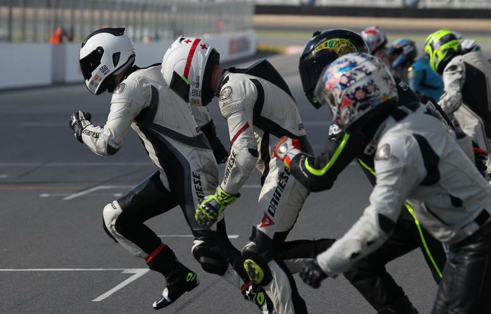 15 августа на Moscow Raceway состоится 6-часовая гонка на ...: https://www.motogonki.ru/russbk/7-08-2017_15_avgusta_na_moscow_raceway_sostoitsja_6-chasovaja_gonka_na_vynoslivost.html