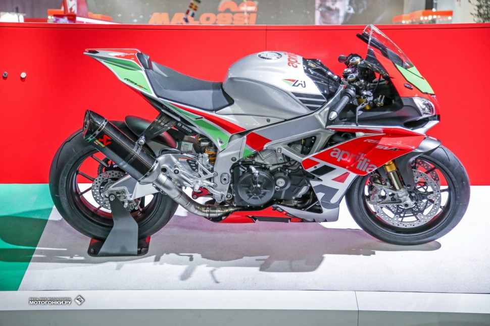 Миланский Мотосалон EICMA-2017: Aprilia RSV4 RF/RR Factory Works Kit