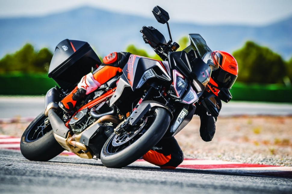 INTERMOT-2018: KTM 1290 Super Duke GT (2019)