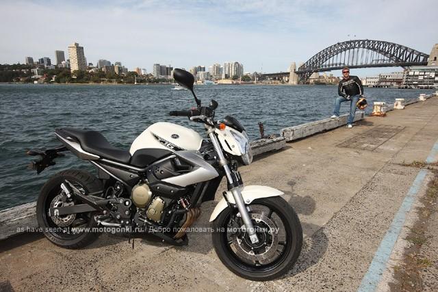 Вешалка - просто вешалка! И Yamaha XJ6 (2009) на ее фоне