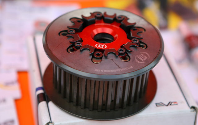 Slipper Clutch от STM (Rivoli, Italy)