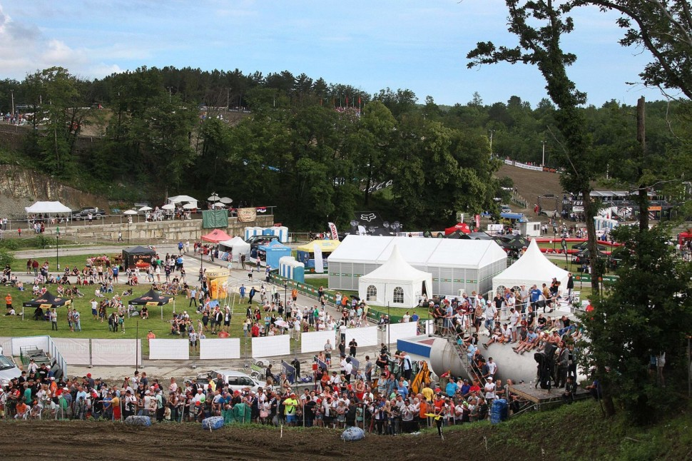 Доступ в паддок и Motocross Village