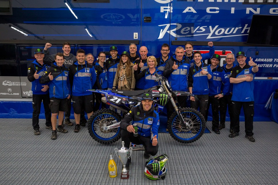 Готье Полен на подиуме Гран-При Ломбардии - Monster Energy Wilvo Yamaha MXGP празднует