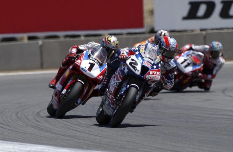 Битва Эдвардса с Фогарти, World Superbike, Laguna Seca. Фото: Отто Моретти