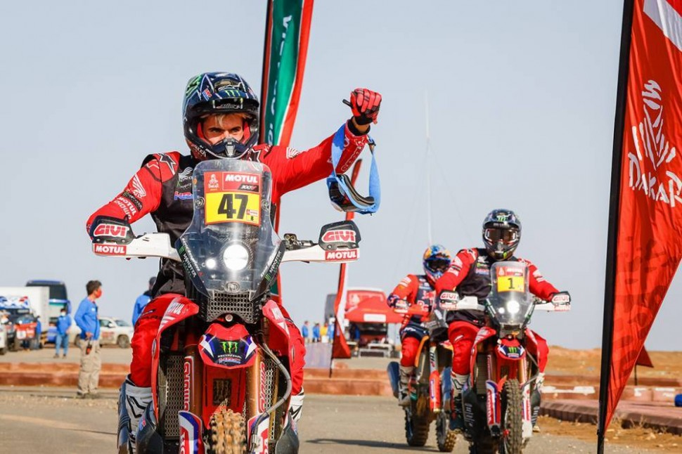 Кевин Беньявидес, Monster Energy Honda Team и Рики Брабек на 1-2 местах