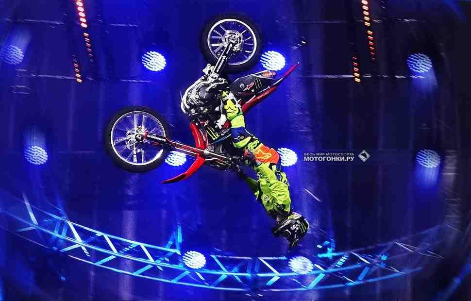 FMX: Видео - Джош Шиэн и его знаменитое сальто на мотоцикле