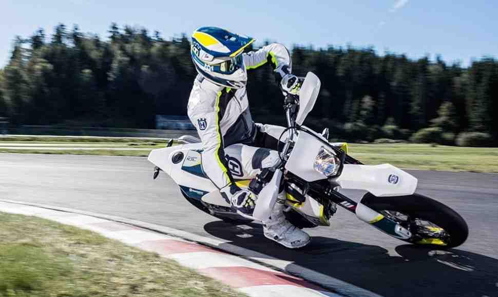 Гонки на городских мотоциклах супермото - отдельный класс в Кубке Москвы 2018