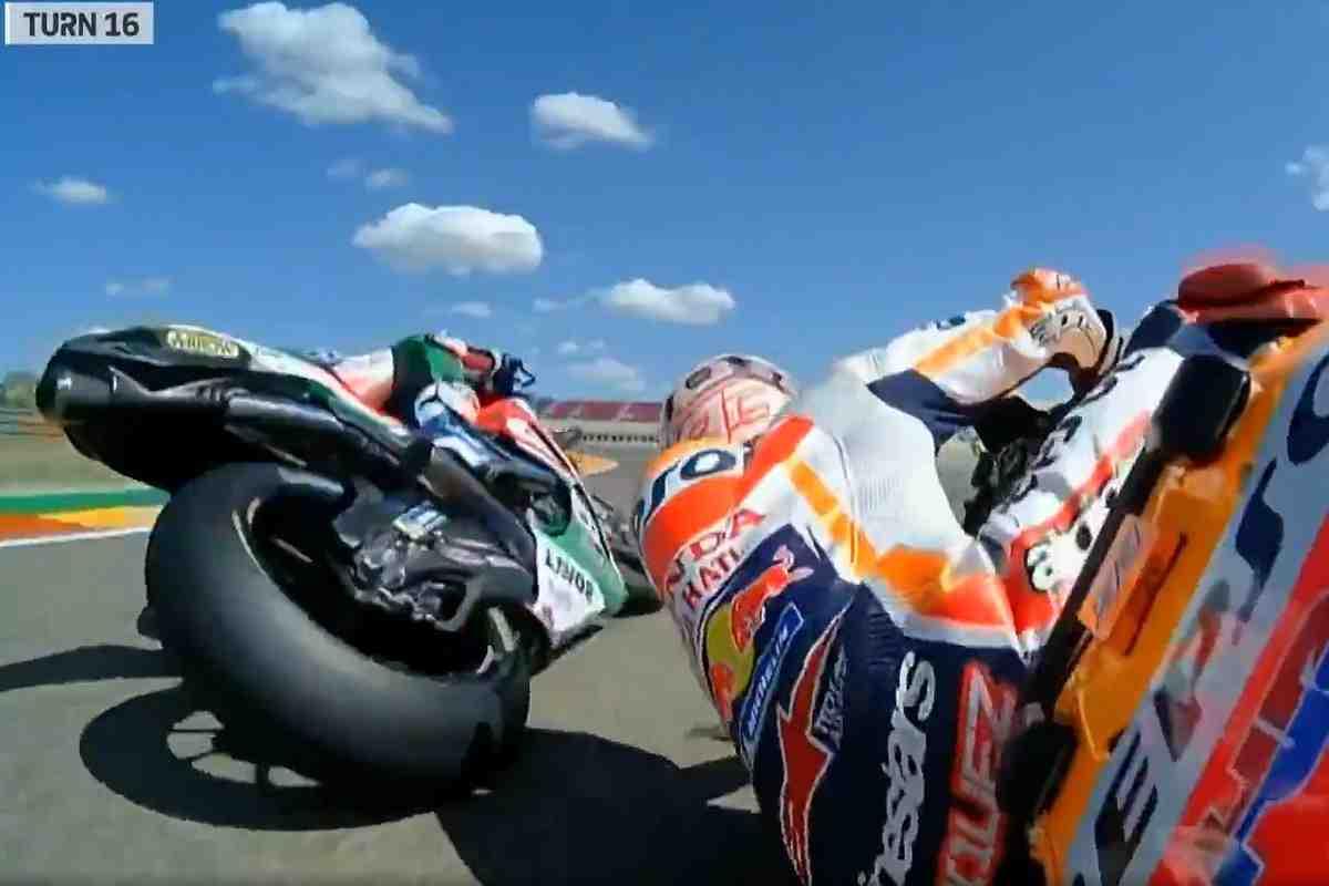 MotoGP: Видео падения Марка Маркеса в последнем повороте Motorland Aragon на FP2