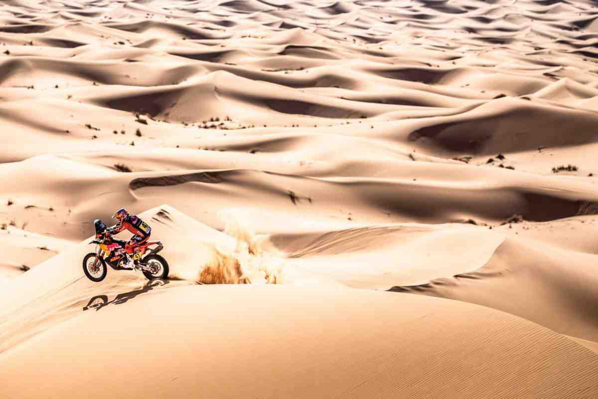 Валькнер противостоит заводской команде Honda в Rallye du Maroc: итоги СУ2