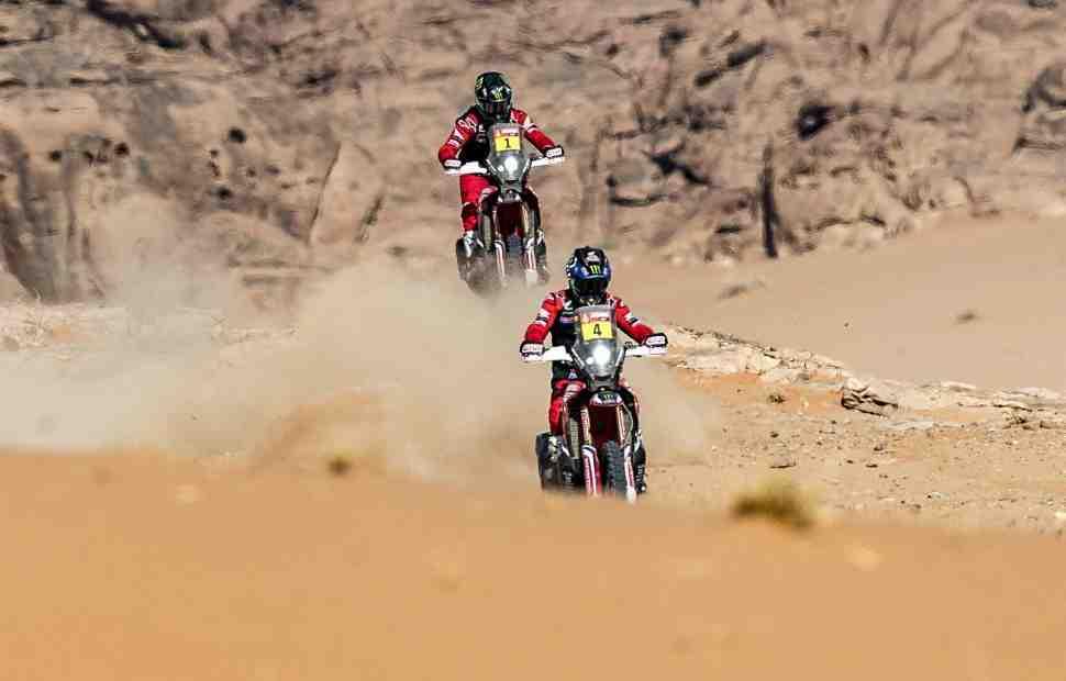 Honda выигрывает марафонский этап Дакар 2021, схватка с KTM вступает в решающую стадию