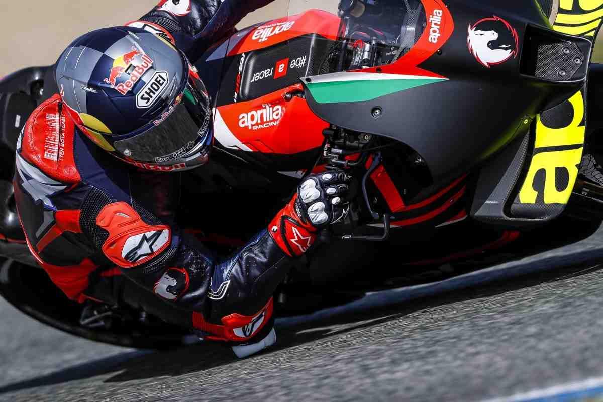 MotoGP: Видео - Вторые тесты Aprilia RS-GP с участием Андреа Довициозо идут полным ходом