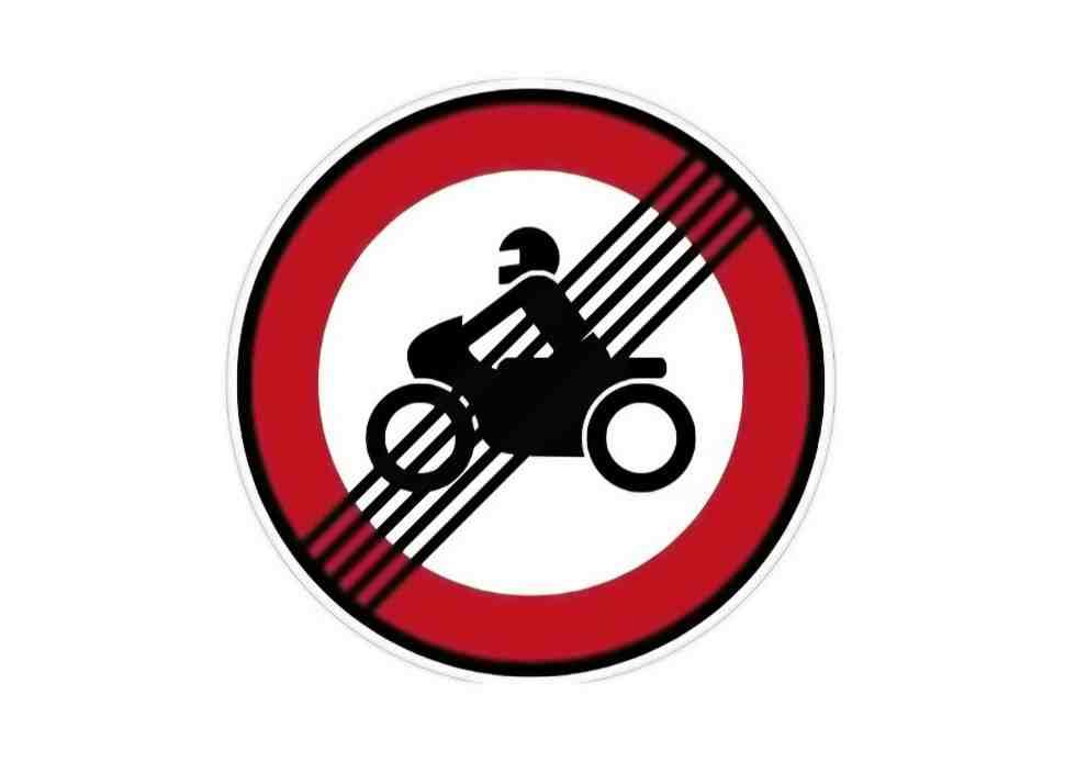 Немцы запустили петицию против запрета езды на мотоцикле по выходным