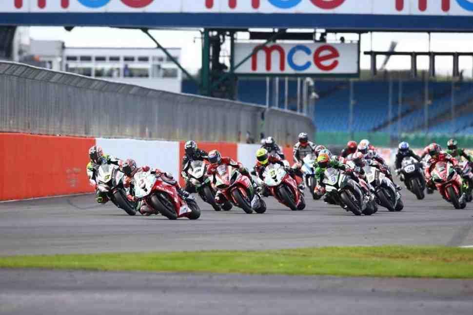 Silverstone ����������� ������� British Superbike