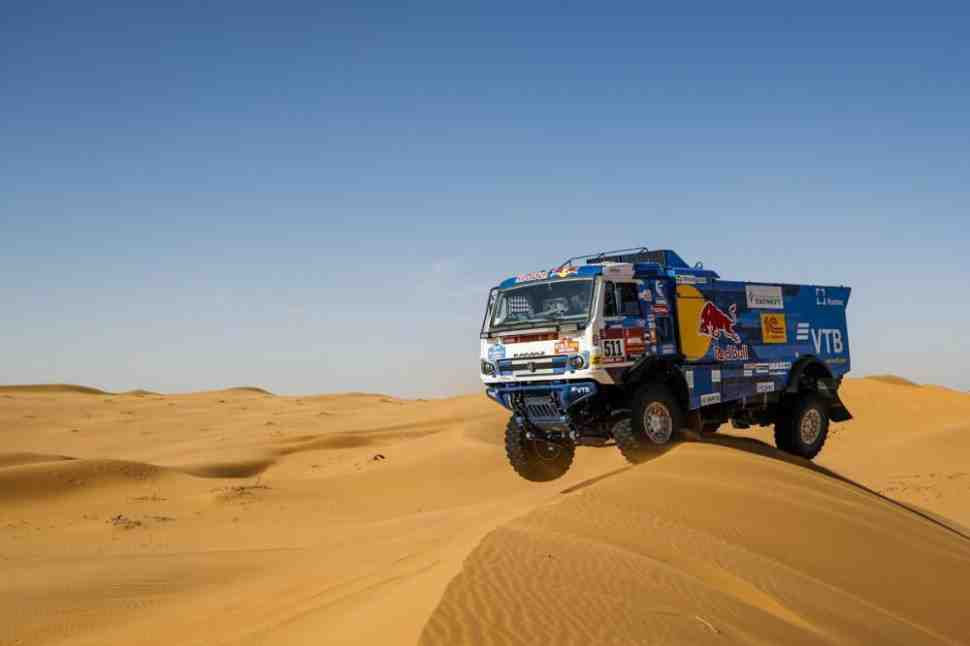 Андрей Каргинов и КАМАЗ-мастер удерживают лидерство на Дакаре-2020 после 7 дня гонки