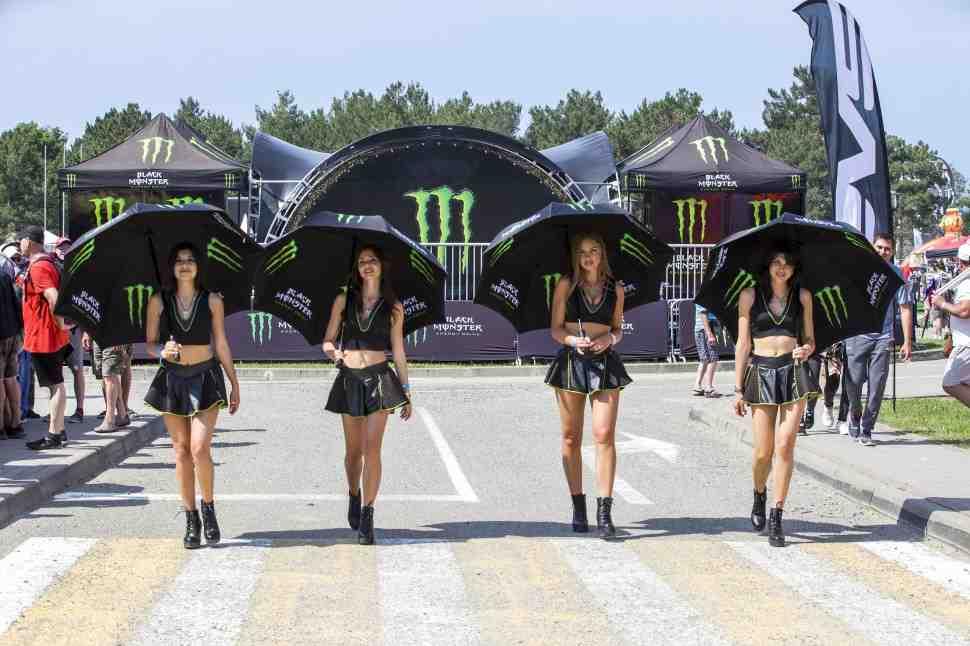 Мотокросс: не только гонки - жаркий Гран-При России MXGP в Орленке