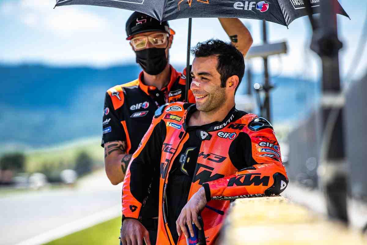 Пилот MotoGP Данило Петруччи предложил KTM о шансе в ралли-марафоне Дакар - и завод согласился!