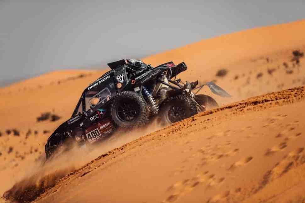 Крутой поворот Дакар 2021: лидеры SSV ломаются один из другим - Карякин выбывает из борьбы...