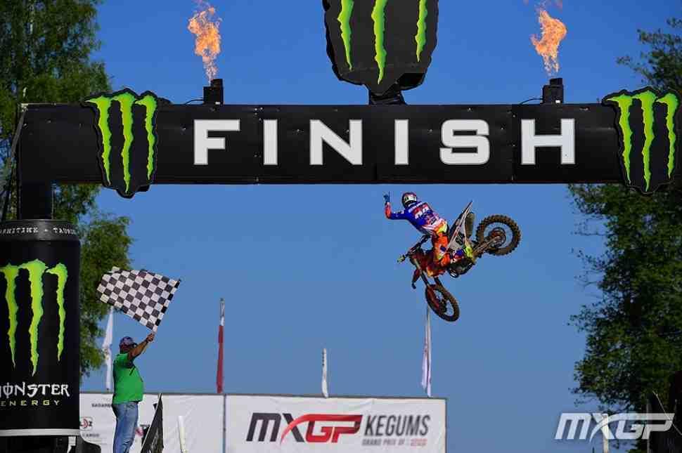 Мотокросс MXGP/MX2: Томас Кьер Олсен и Херлингс - победители 1-х заездов Гран-При Латвии