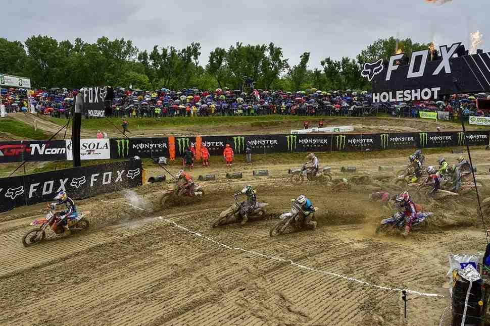 Мотокросс: видео грязевого Гран-При Ломбардии MXGP/MX2 в Mantova