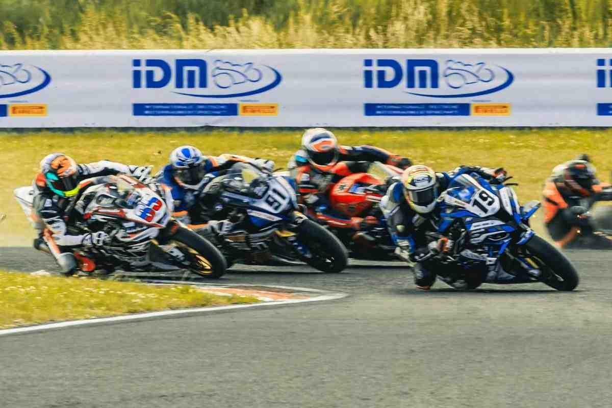 IDM ������� Autodrom Most � ����� ������� World Superbike: ������ ��������� ������ ����