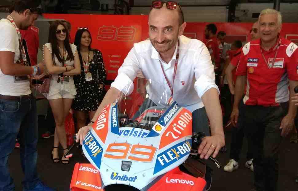 MotoGP: Клаудио Доменикали... поблагодарил Лоренцо за Ducati GP18