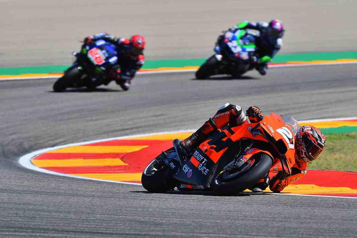 Пилот MotoGP Икер Лекуона планирует переход в заводскую команду Honda в World Superbike
