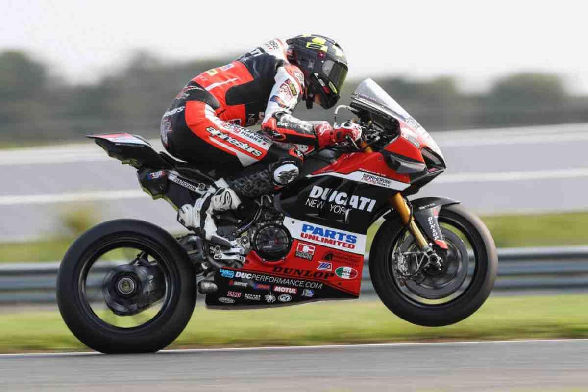 Warhorse HSBK Racing Ducati ����������� ����������� ������ ���� � WorldSBK