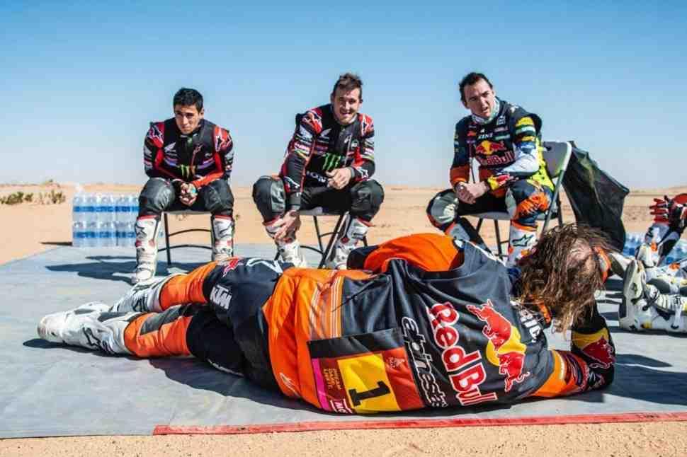 Ситуация в мотозачете Дакар-2020 обострилась: у Honda, Husqvarna и KTM равные шансы на победу