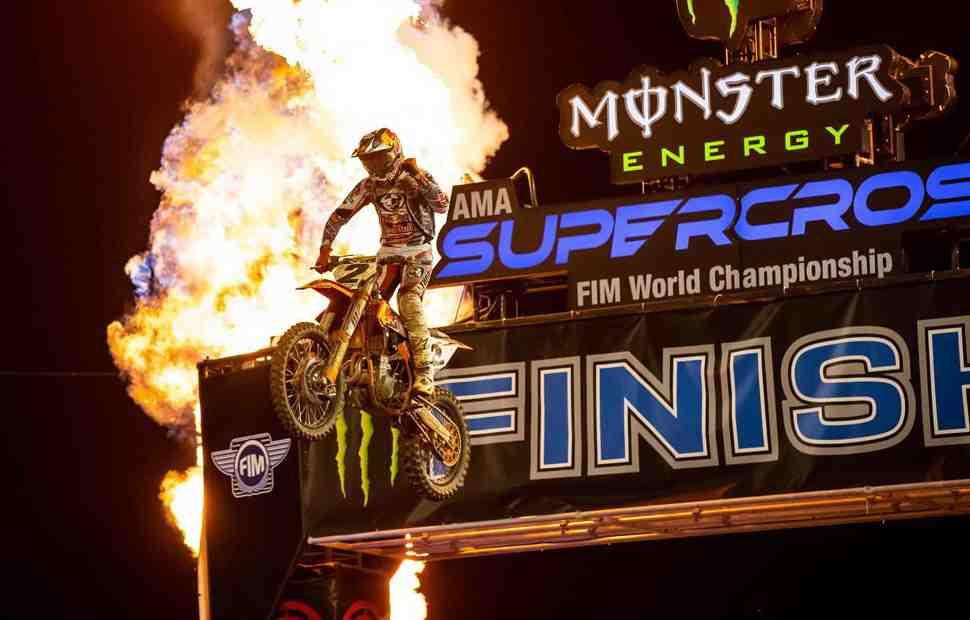 Уэбб выиграл хаотичный 7-й этап AMA Supercross в классе 450SX: результаты и обзор Orlando 1