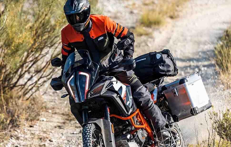 Свежая поставка KTM Super Adventure с солидным подарком