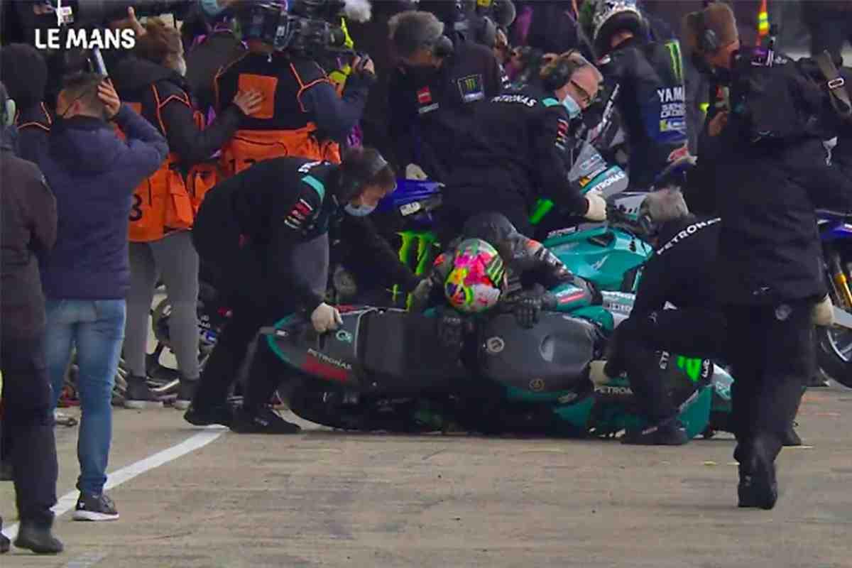 MotoGP: Франко Морбиделли получил травму во время тренировки смены байка на FP3 - видео