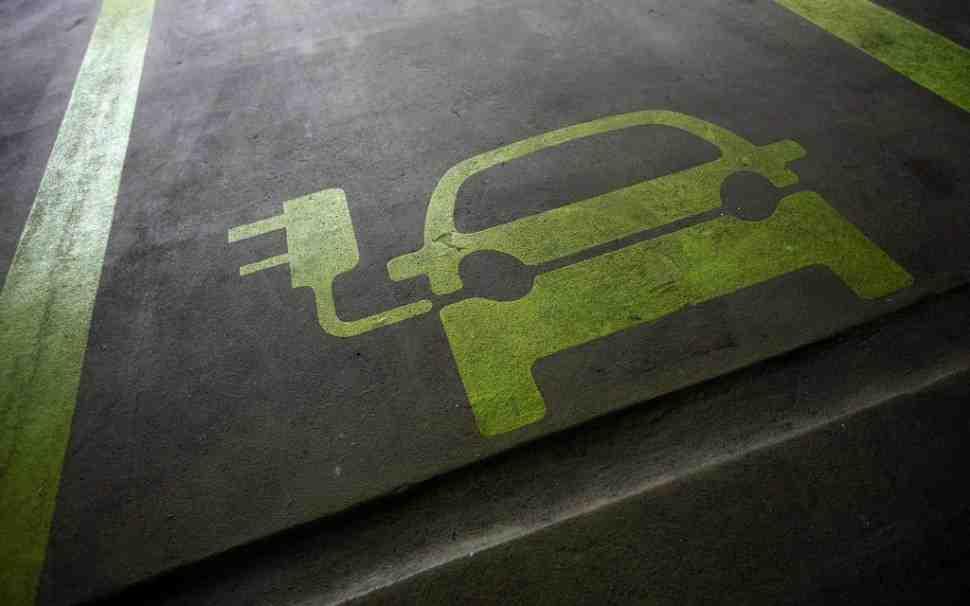 Электроистерия: А что, если планета не в состоянии обеспечить энергией столько электромобилей?