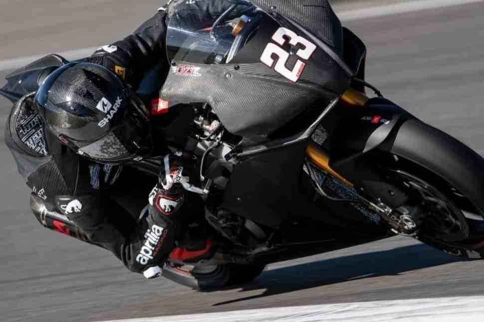 Nuova M2 Racing ������ Aprilia RSV4 � World Superbike