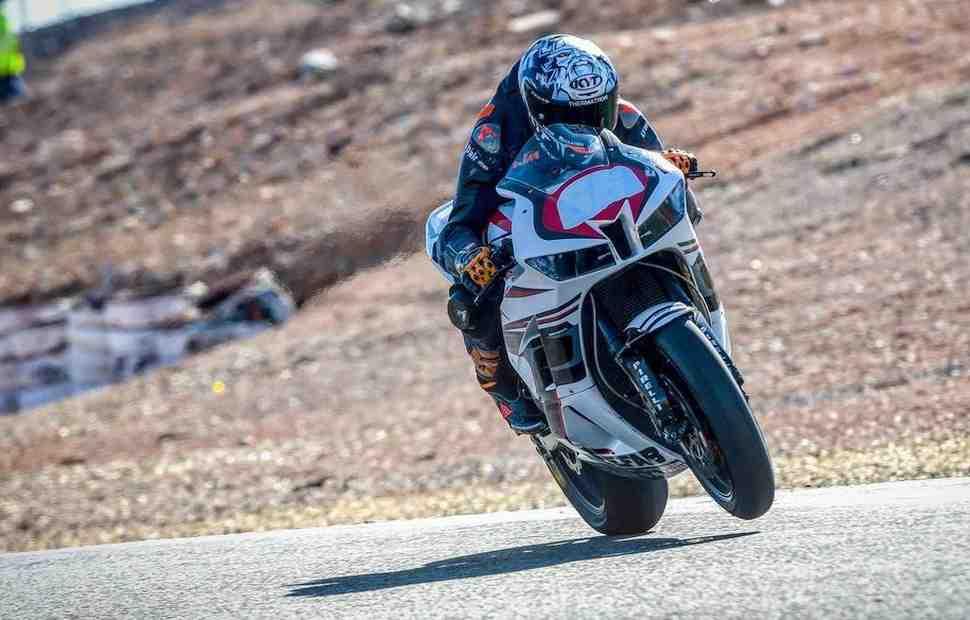 Пилоты MotoGP и Moto2 вернулись на тренировочные треки Испании