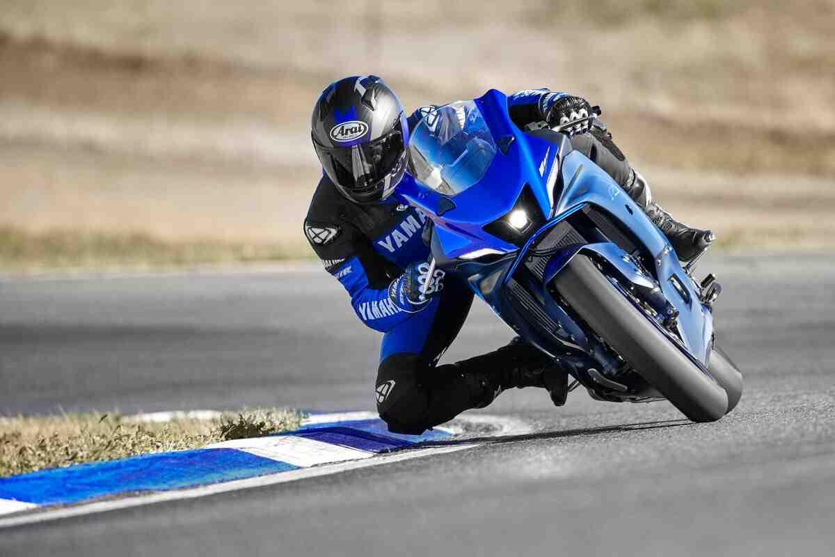 ����������: ����� ��������� Yamaha YZF-R7 - ����� ��, ����������, �������� � ��������������