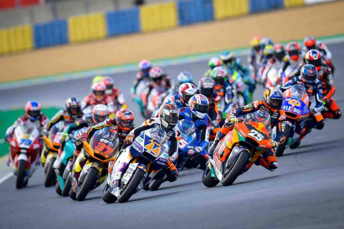 Новые имена: Рауль Фернандес и Реми Гарднер начали спор за место в MotoGP в 2022