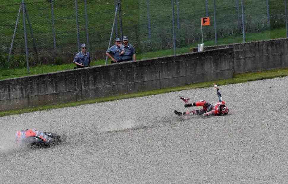 MotoGP: Ducati объяснили причины падения Миккеле Пирро и взрыва двигателя Довициозо