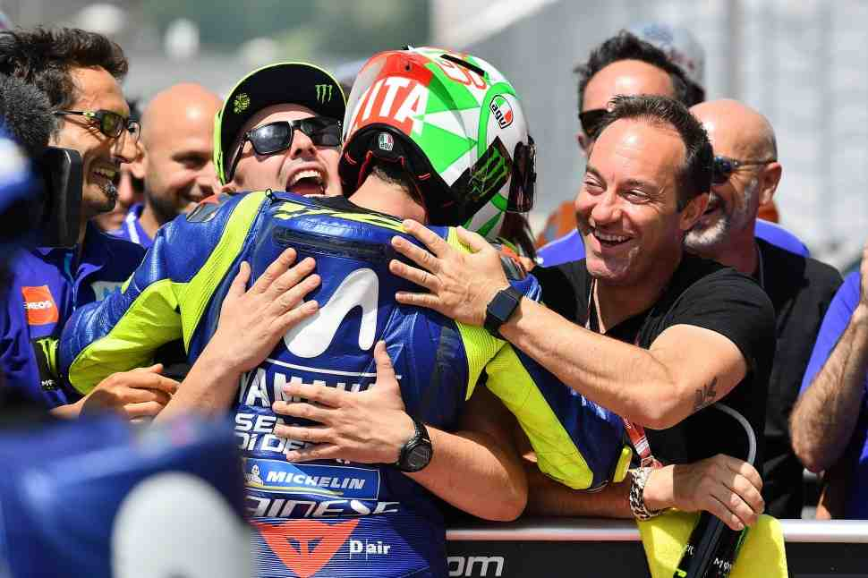 MotoGP: Валентино Росси выиграл квалификацию Гран-При Италии и обновил рекорд круга