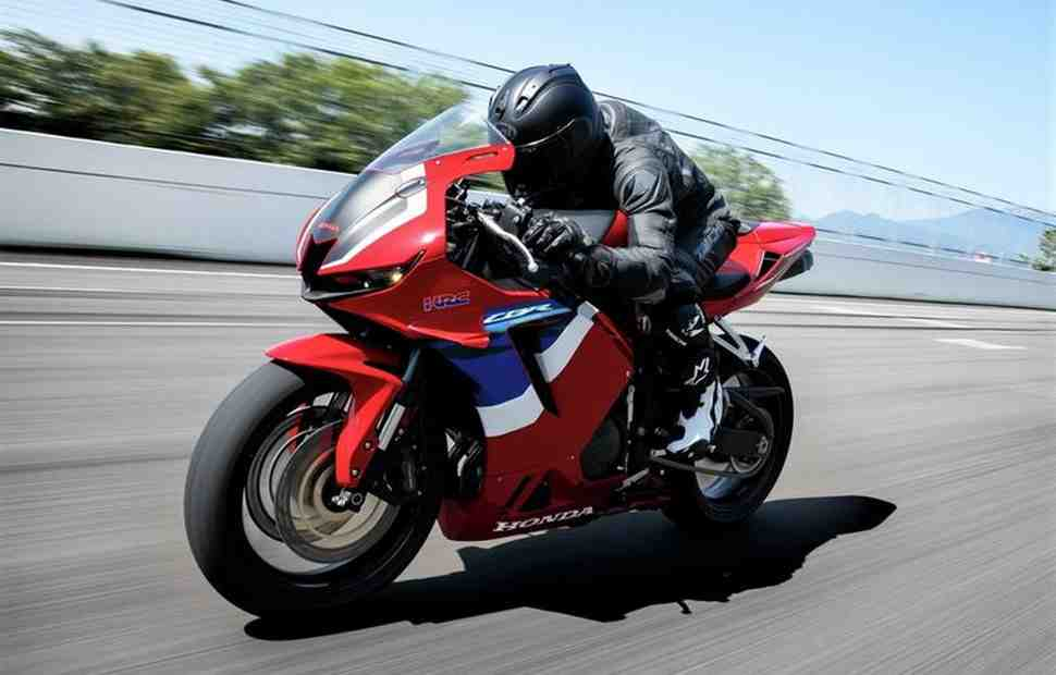 Honda CBR600RR (2021) и CBR600RR Race Base - Технические характеристики и детали