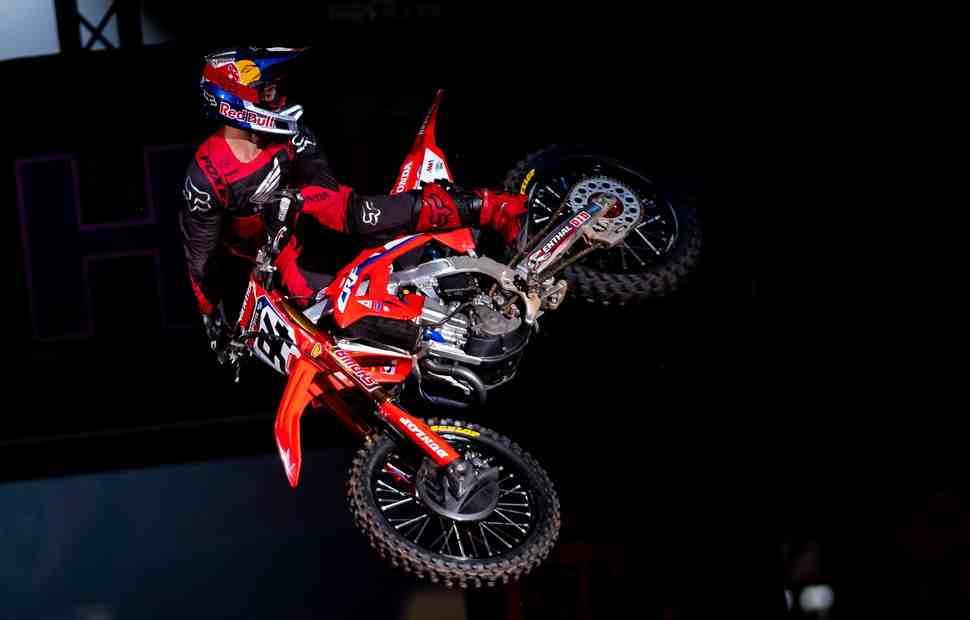 AMA Supercross: Кен Рокцен не согласен с решением Дирекции о пенализации в Хьюстоне - подробности
