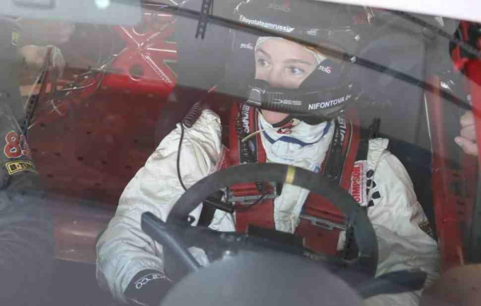 Анастасия Нифонтова меняет два колеса на четыре, чтобы принять участие в Шелковом Пути-2018