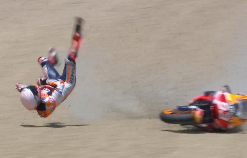 MotoGP - SpanishGP: Видео обоих инцидентов Маркеса в Хересе - мотоцикл предупредил его!..