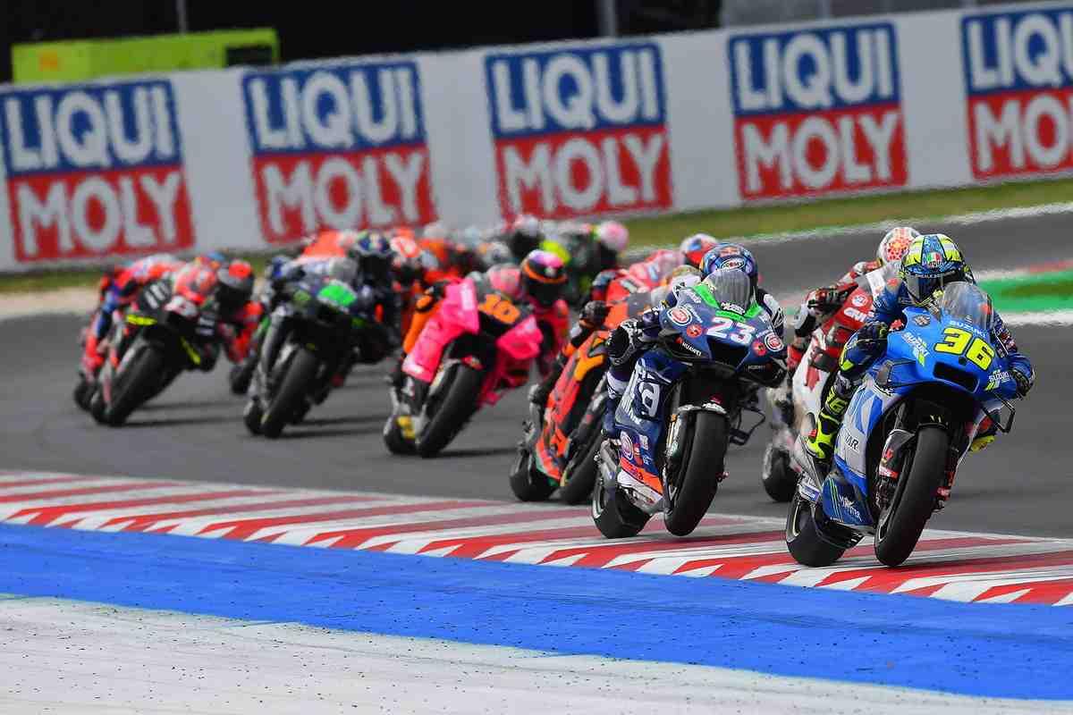 MotoGP: Suzuki и Жоан Мир прощаются со своими титулами