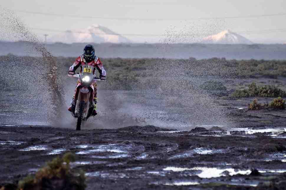 Дакар-2017: Honda выигрывает марафон, но KTM - главный претендент на победу
